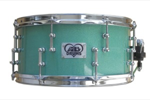 Sea Foam Green Sparkle / Chrome Hardware