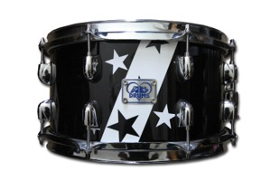 Gloss Black & White Wrap With Stars / Chrome Hardware