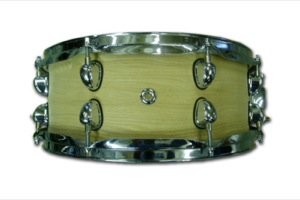 Satin oil Oak Veneer / Chrome Hardware