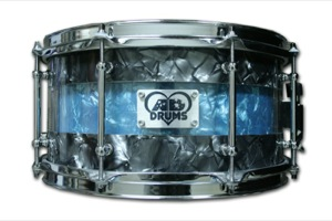 Black & Blue Pearl / Chrome Hardware